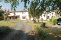 Village House for sale in Champdeniers-Saint-Denis...