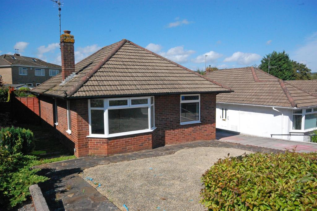 2 Bedroom Detached Bungalow To Rent In Hurford Place Cyncoed Cardiff Cf23 6qz Cf23