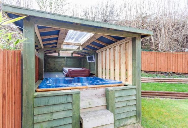 Hot Tub .jpg