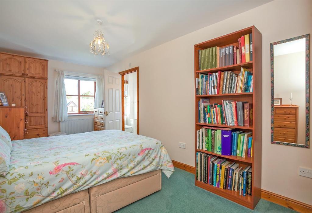 Master Bedroom 2 Doo