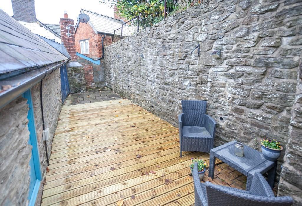 Courtyard Garden 1.j