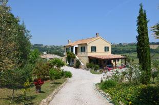 5 bedroom Country House in Le Marche, Ascoli Piceno...