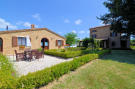 6 bed Country House for sale in Le Marche, Macerata...