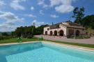 4 bedroom Character Property in Ripe San Ginesio...