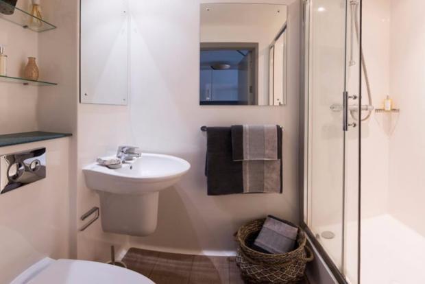 Modern en-suites