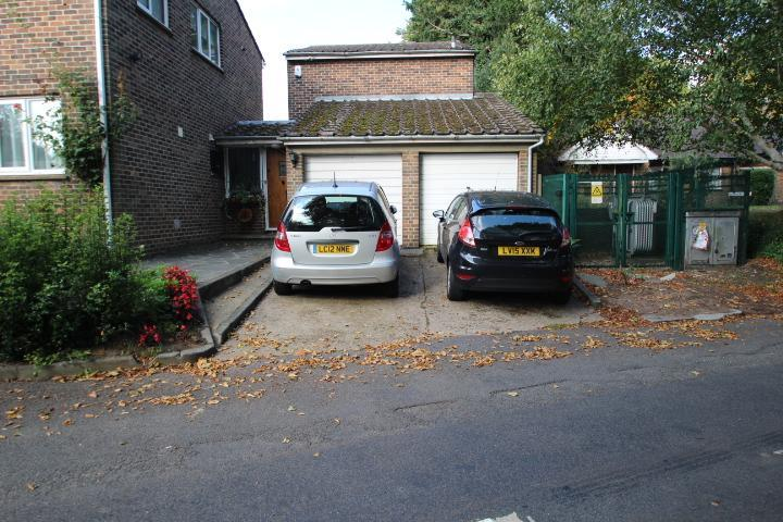 Single garage en-block