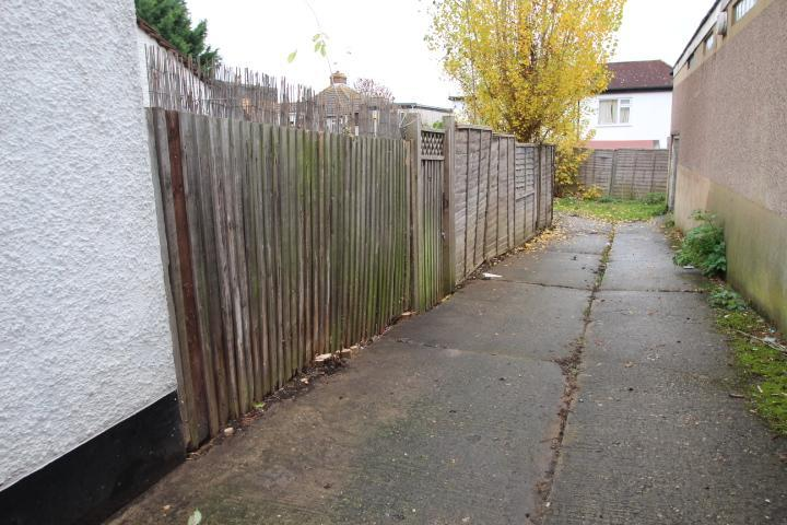 Access to rear garden