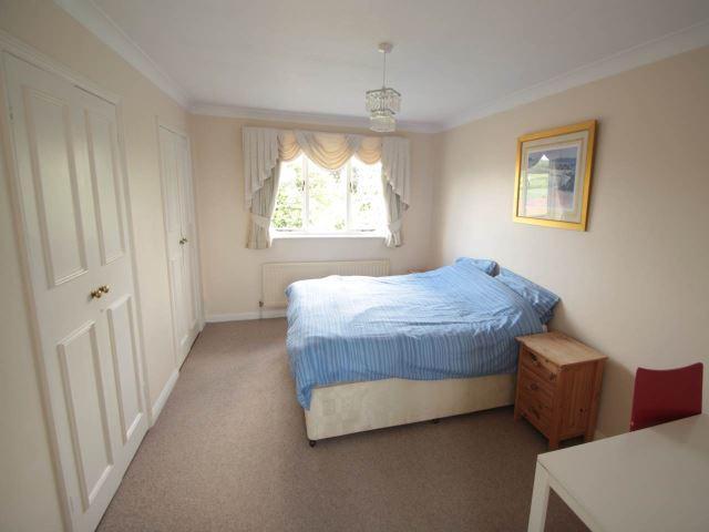 FF Bedroom with en-s
