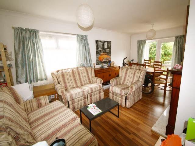 Living room/diner