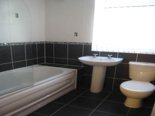 130 Weaste bathroom