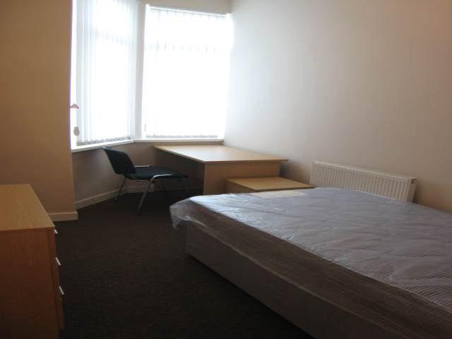 130 Weaste bedroom (3)
