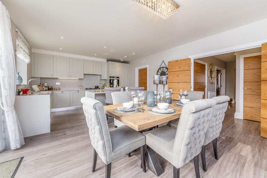 Shanly Homes,Dining room