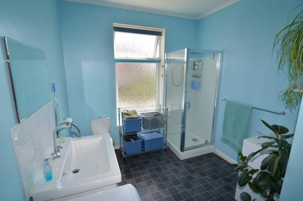Shower room / Uti...