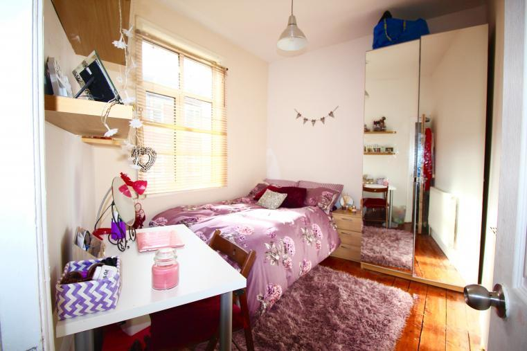 bedroom 4 108L.jpg