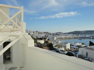 3 bed semi detached home for sale in Cyclades islands...