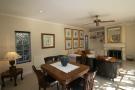 Dining & lounge