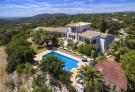 5 bed Villa for sale in Santa Barbara de Nexe...