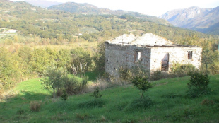 2 bedroom Village House in Calabria, Cosenza...