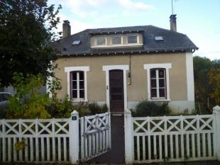 3 bed home for sale in CHATEAUNEUF LA FORET