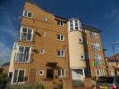 Flat to rent in Brinkworth Way...