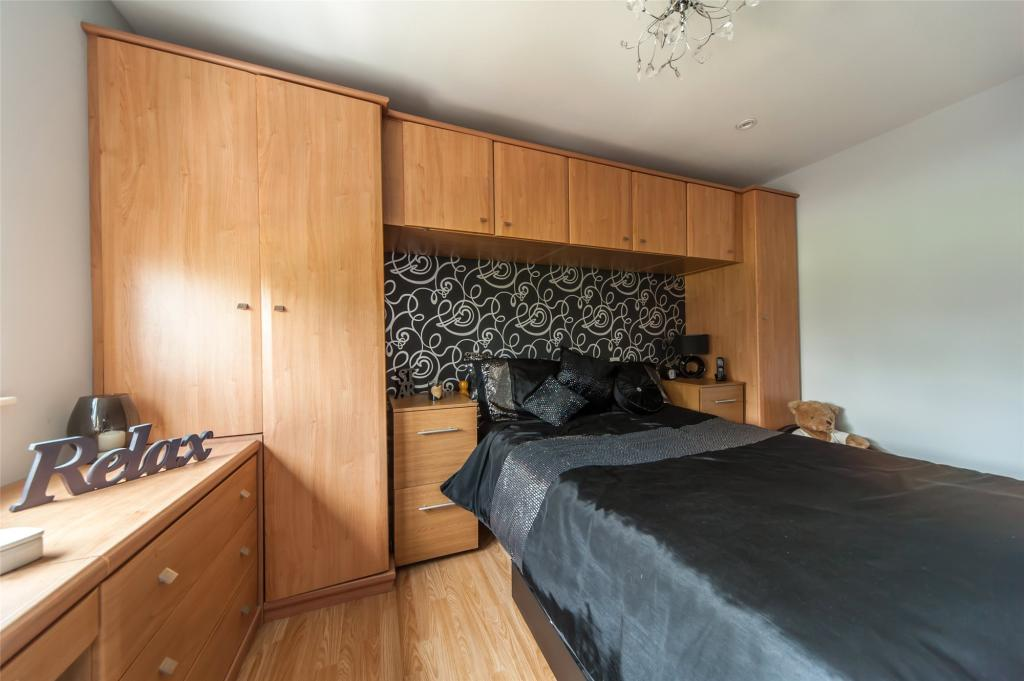 F/F Master Bedroom