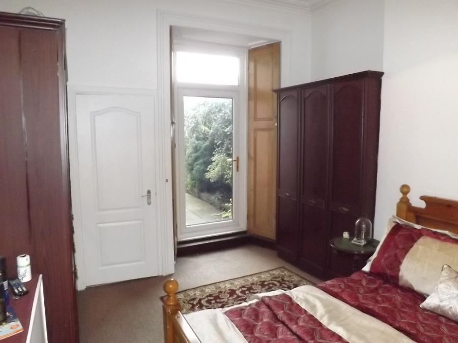 Appt 1 - Bedroom