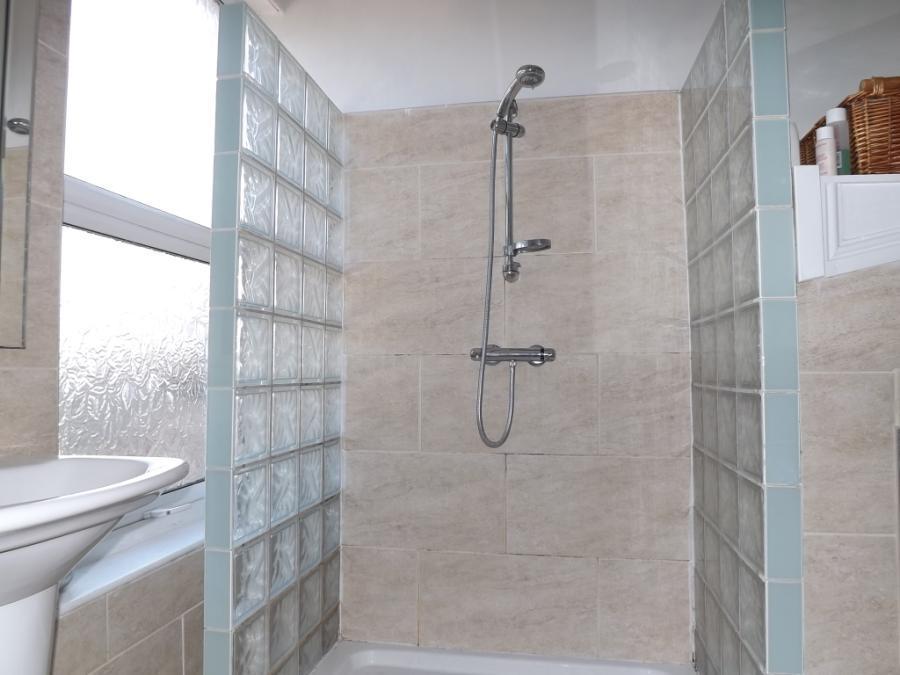 Appt 2 Walkin Shower