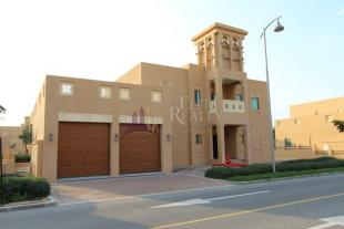 3 bedroom Villa for sale in Dubai Style Villas...