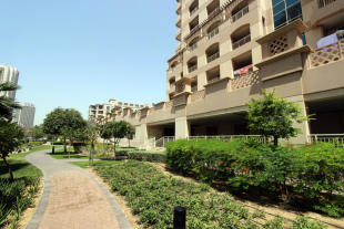 1 bed Apartment for sale in Mosela Waterside...