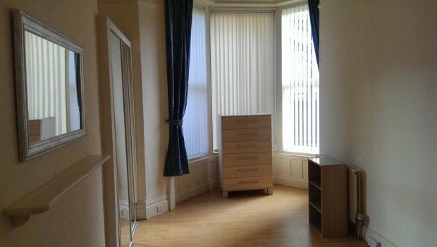 bedroom v2.jpg