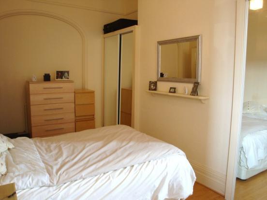 bedroom v4.JPG
