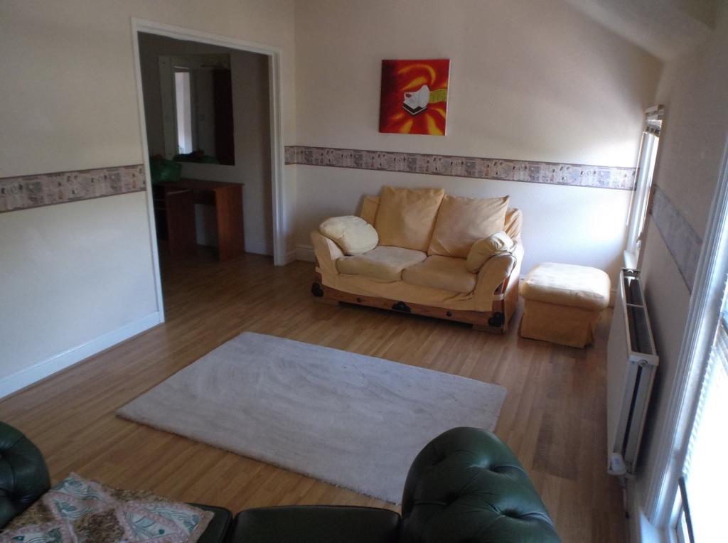 lounge v2.JPG