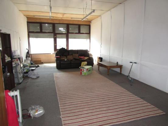 Front Room/Sho...