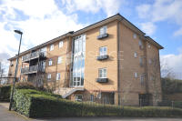 2 bedroom Flat in Briar Close, London, N2