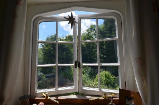 Dering Window