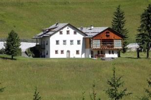 10 bed house in La Villa, Alta Badia...