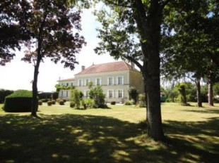 5 bedroom Detached home for sale in Poitou-Charentes...