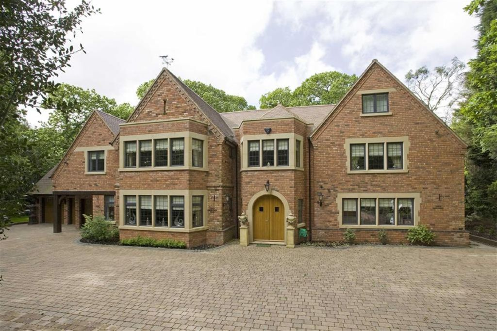8 bedroom detached house for sale in bracebridge rd four for 8 bedroom house for sale