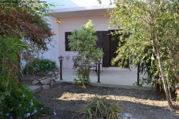 Couryrd -1 Bed house
