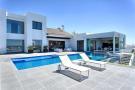 Villa for sale in Los Flamingos, Málaga...
