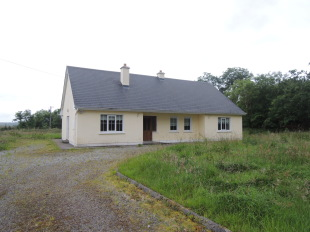 3 bedroom Cottage for sale in Mayo, Carracastle