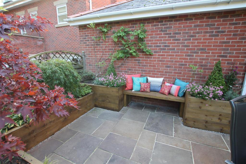 Patio / Seating Area