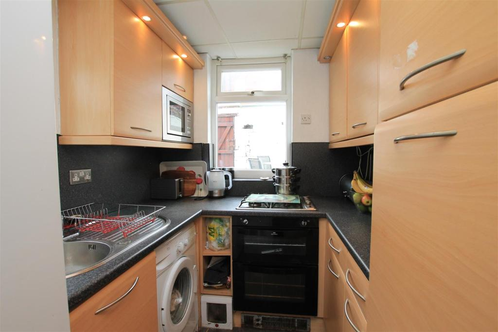 52 kirkby road kitch