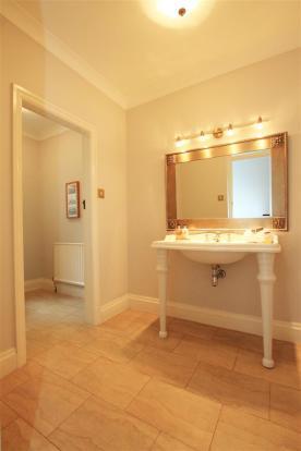 Braeside wc.jpg