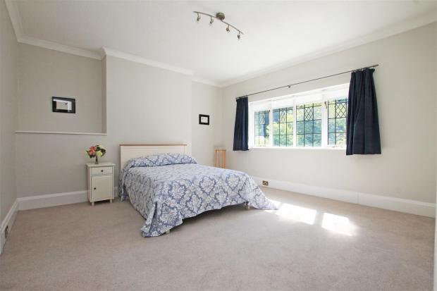 Braeside bed 1.jpg