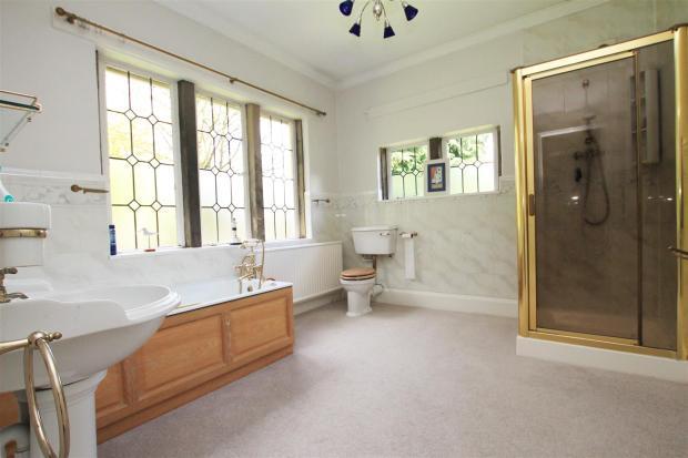 Braeside bath.jpg