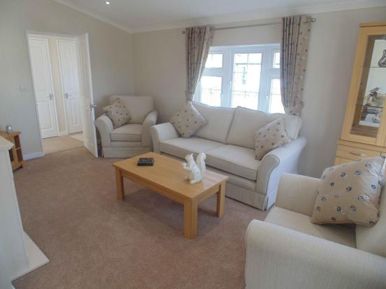 2 Bedroom Park Home For Sale In Organford Manor Country Poole Dorset BH16 5EQ