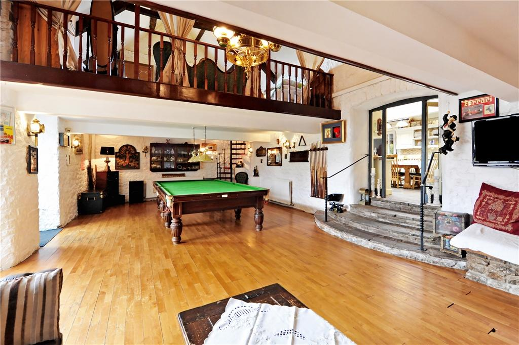 Games Room/Party Barn