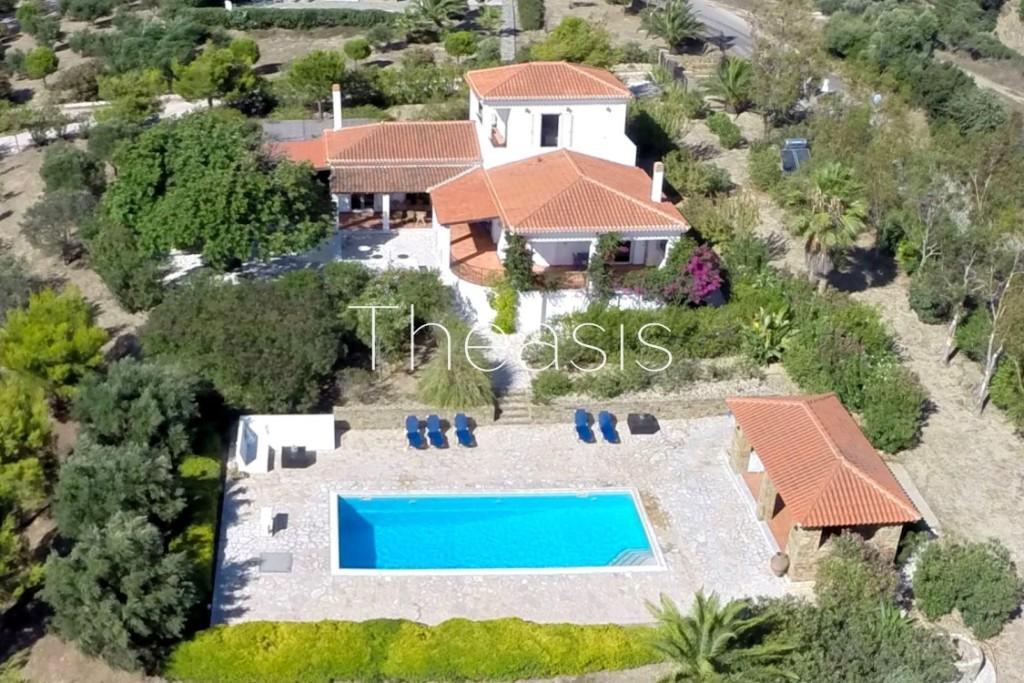 Villa for sale in Methoni, Messinia...