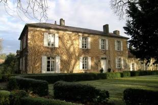 7 bed Country House for sale in Condom, Gers, France